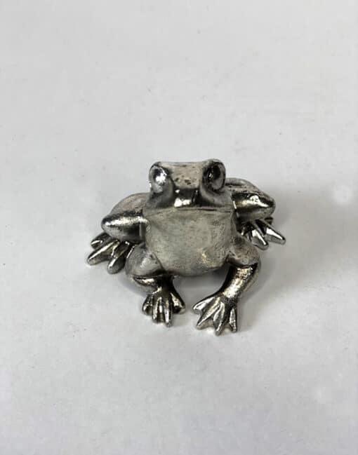 лягушка серебряная в минске