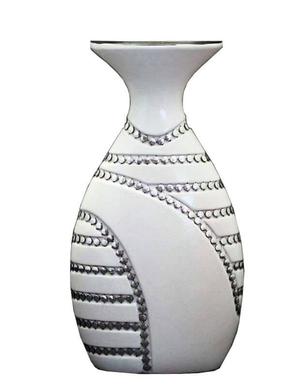 белая ваза для цветов
