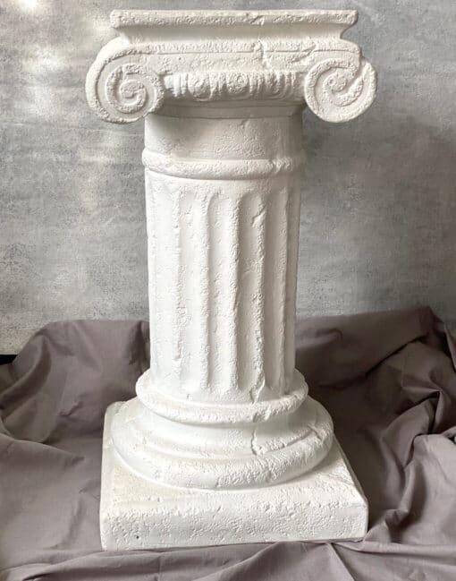 колонна декоративная белая