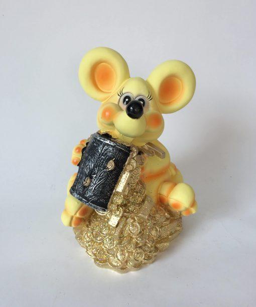 мышка на деньгах копилка