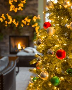Игрушки и украшения на Новый Год