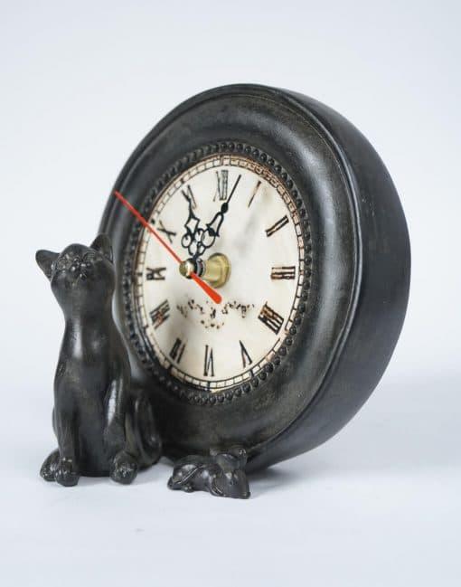 часы оригинальные с фигурками