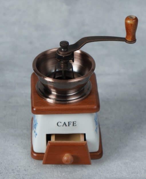 кофемолка ручная в подарок