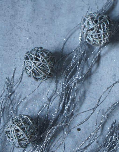 купить шары из ротанга серебряные