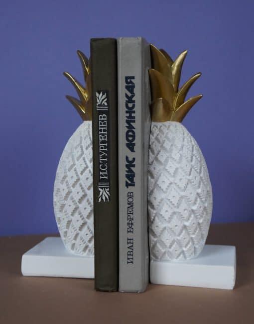 подставка для книг в виде ананаса
