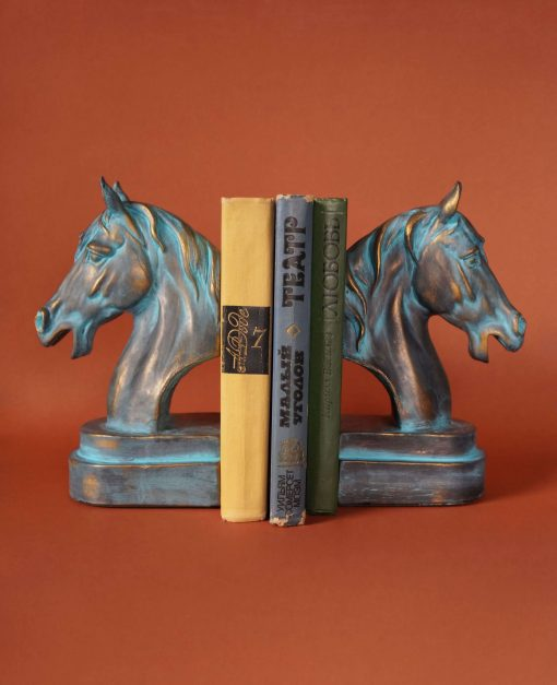 подставка для книг кони