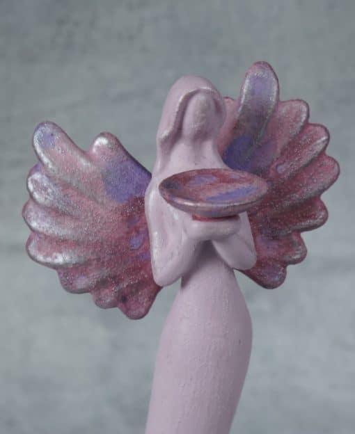 ангел с крыльями розовый