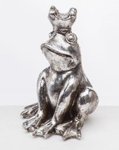 жаба серебряная сидит