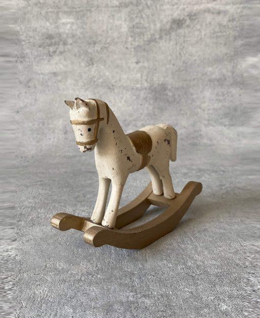 лошадка деревянная