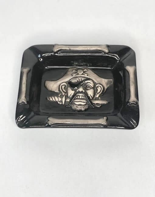 пепельница пират
