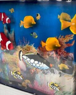 ночник с плавающими рыбами